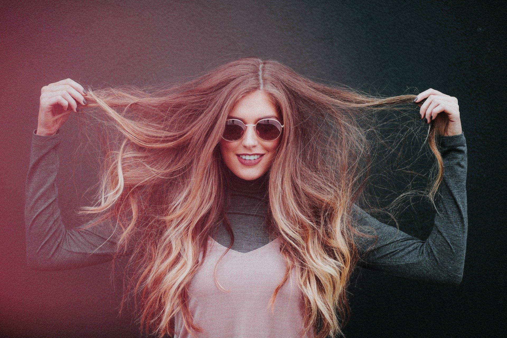Rajout de cheveux : techniques et prix