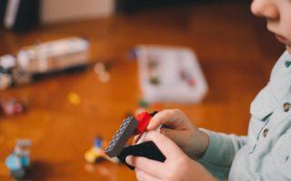 Comment aménager une petite salle de jeux ? 9 idées à découvrir