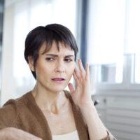 Quelles sont les conséquences d'une perte auditive non corrigée ?