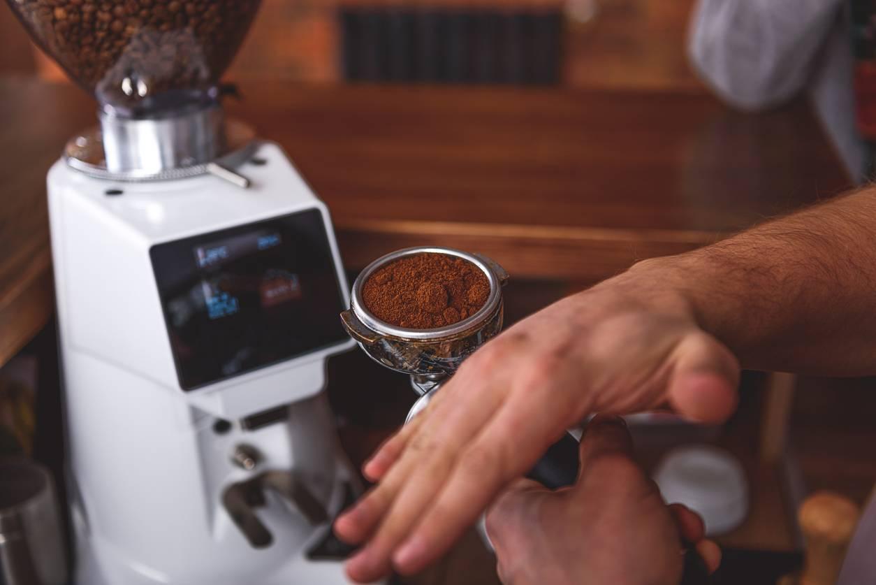 machine à café broyeur silencieux