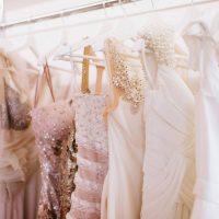 Robes de cérémonie : souplesse et légèreté