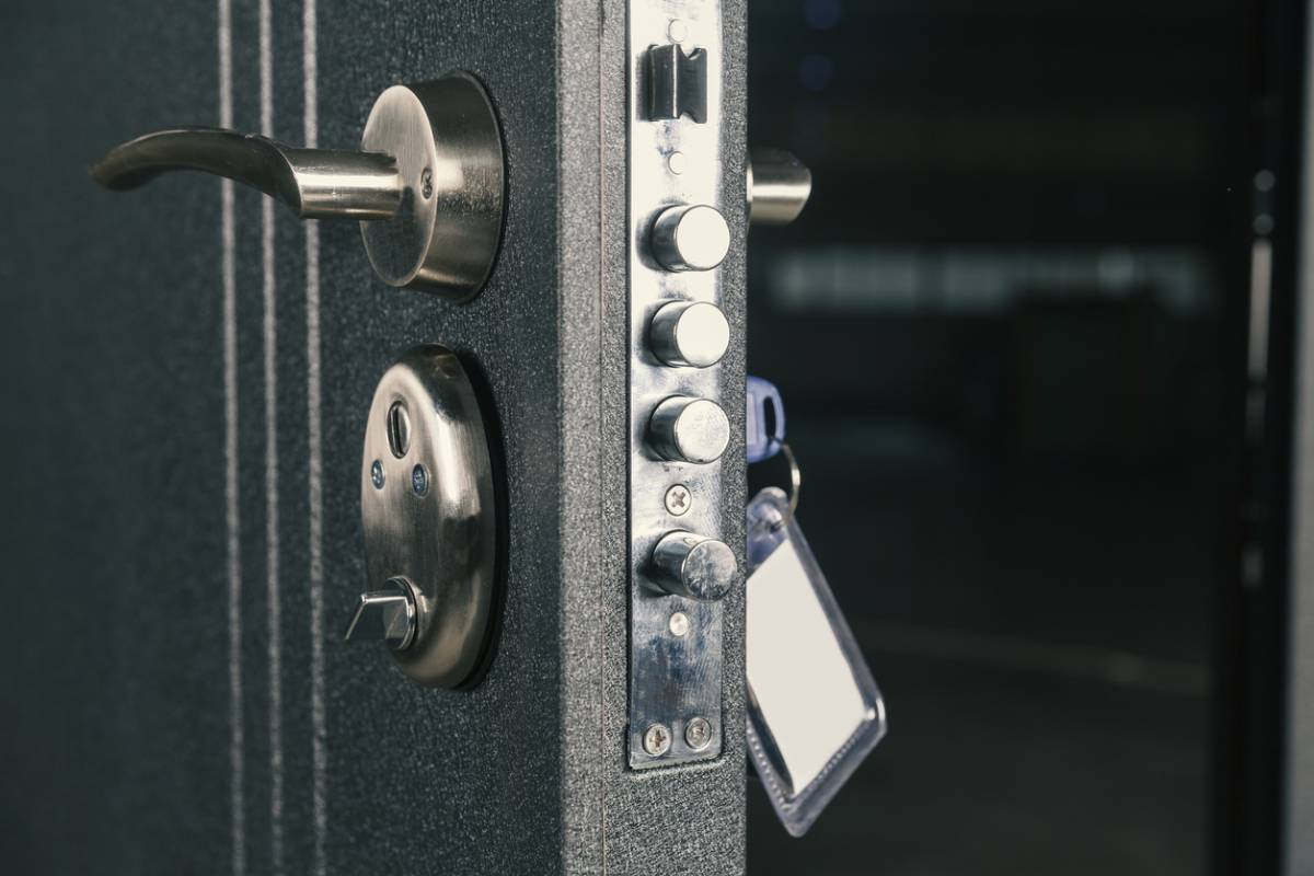 Sécurité de la maison : les atouts d'une porte blindée